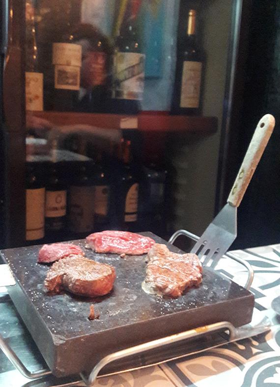 Highlight im Don Quixote - Hot Stone Grill am eigenen Tisch