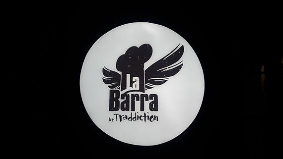 La Barra de Traddiction Logo außen