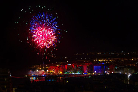 Feuerwerk San Juan Las Palmas Gran Canaria