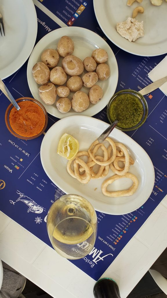 Meeresfrüchte als Vorspeise im Fischrestaurant Amigo Camilo